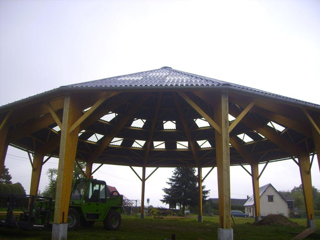 Concept bois b timents questres bois - Batiment agricole en bois ...